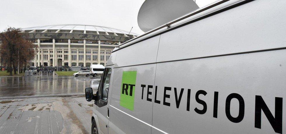 Přenosový vůz ruské televizní stanice RT