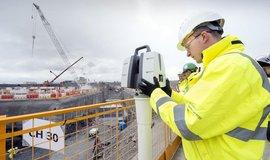 Temný stín nad Hinkley Point: dělníci na stavbě britské elektrárny trpí psychickými problémy