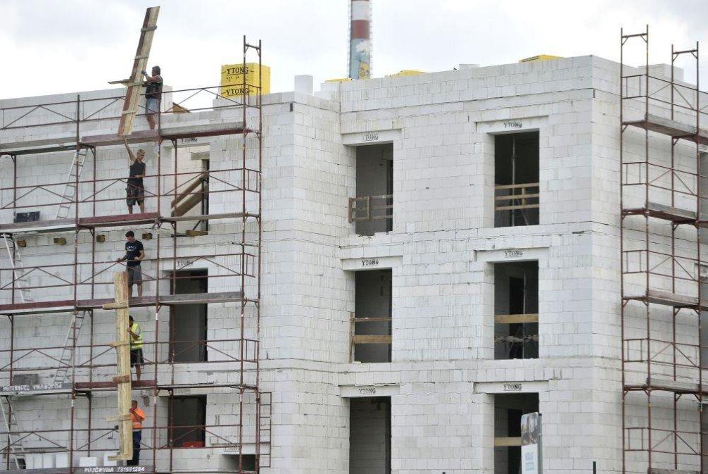 Stavba bytového domu, ilustrační foto
