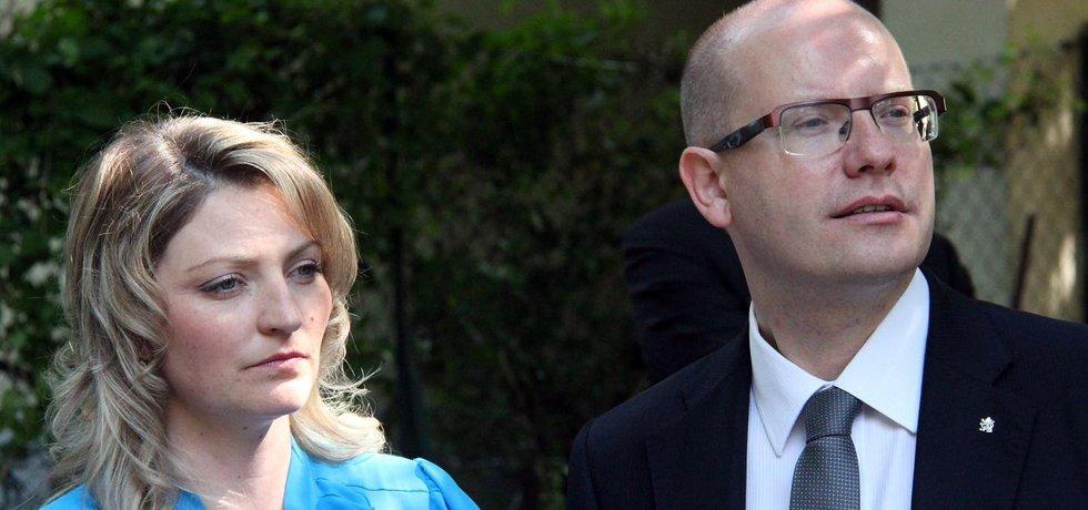 Premiér Bohuslav Sobotka se svou manželkou Olgou