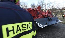 Vyprošťovací tank bude odstraňovat z Vltavy zbytky konstrukce
