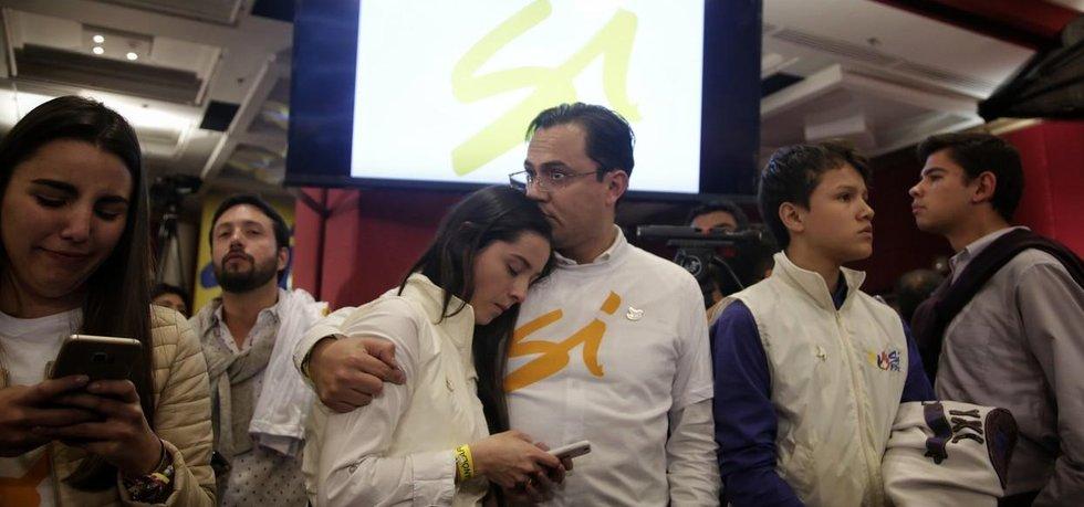 Zdrcení Kolumbijci, kteří v referendu hlasovali pro mírovou dohodu