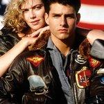Známý film Top Gun, v hlavní roli s Tomem Cruisem, vznikl ve spolupráci s Pentagonem. Armáda tehdy zaznamenala výrazný nárůst v náborech. Zájemci se k ní tenkrát mohli zapsat přímo v kinech.