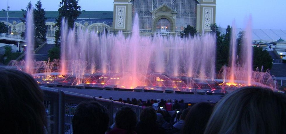 Křižíkova fontána je vítanou turistickou atrakcí