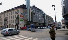 Na pražském realitním trhu se schyluje k další miliardové transakci. Milennium Plaza mění majitele