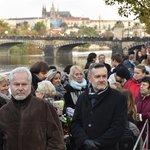 Zástupci Žofína odhadovali, že za celý den se stihne s Karlem Gottem rozloučit na 50 tisíc lidí