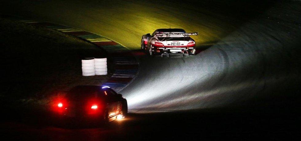 Nejkrásnější část vytrvalostních závodů přichází po setmění.