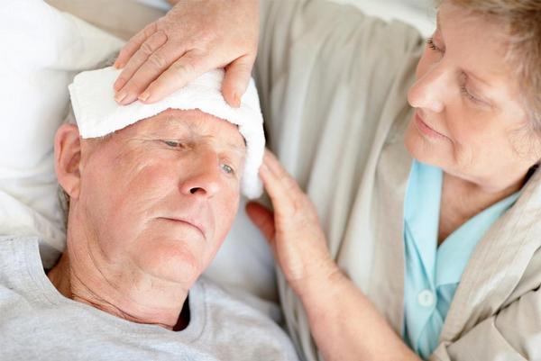Ilustrační foto; senioři, nemoc, horečka, teplota, chřipka
