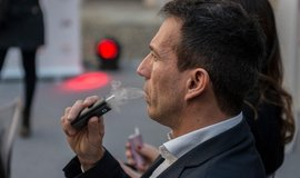Zahřívací cigareta Glo firmy British American Tobacco.