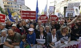 Počtvrté proti Benešové a Babišovi. Na demonstraci na Václavské náměstí přišlo 50 tisíc lidí