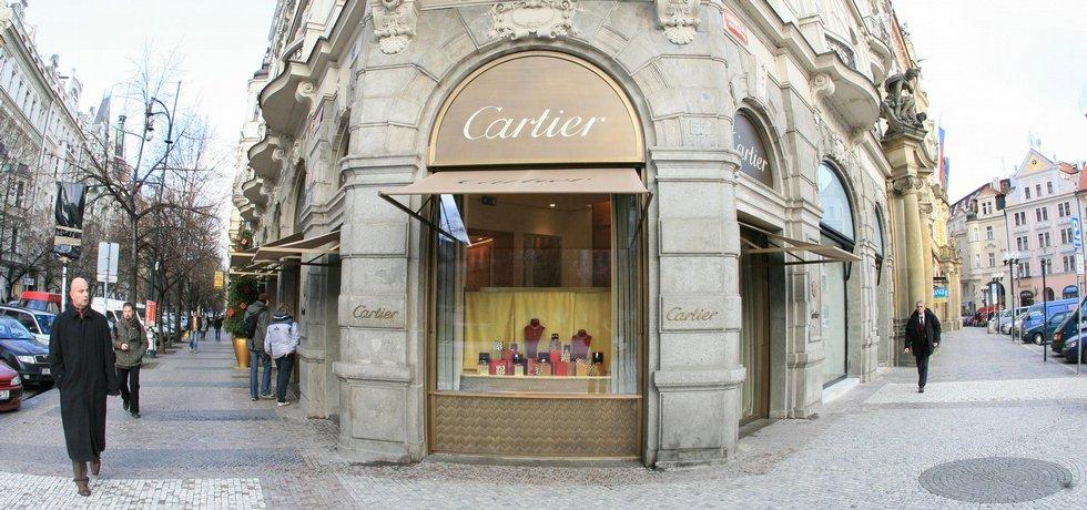 Luxusní obchody v Pařížské ulici