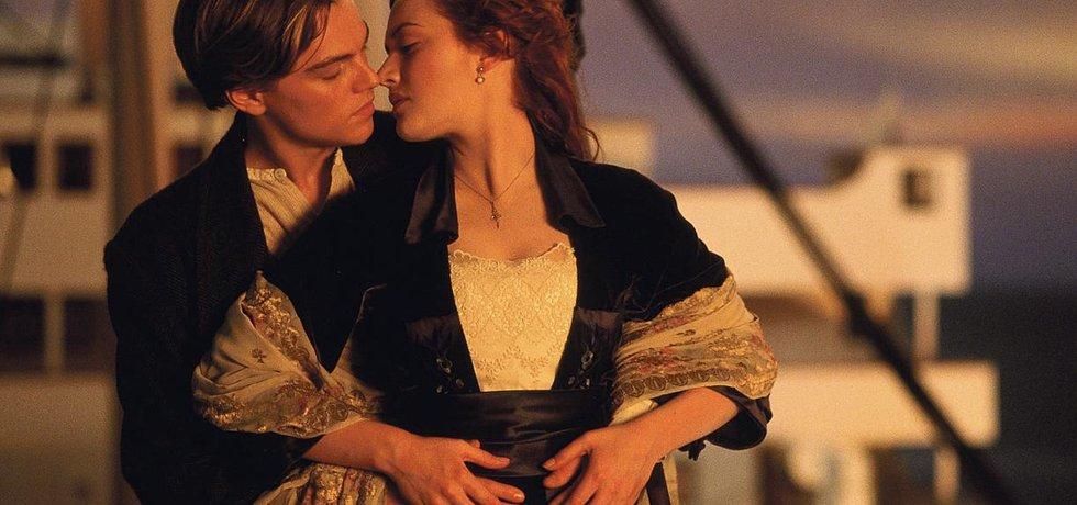 Love story století. Milostný příběh milenců Kate Winsletové a Leonarda DiCapria v kulisách katastrofy zaoceánského parníku láká diváky i téměř patnáct let po premiéře