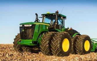 Traktor od firmy John Deere