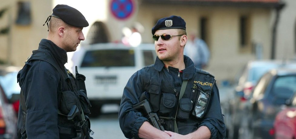 Zvýšená bezpečnostní opatření kvůli zvýšené hrozbě terorismu zavedla i Praha.