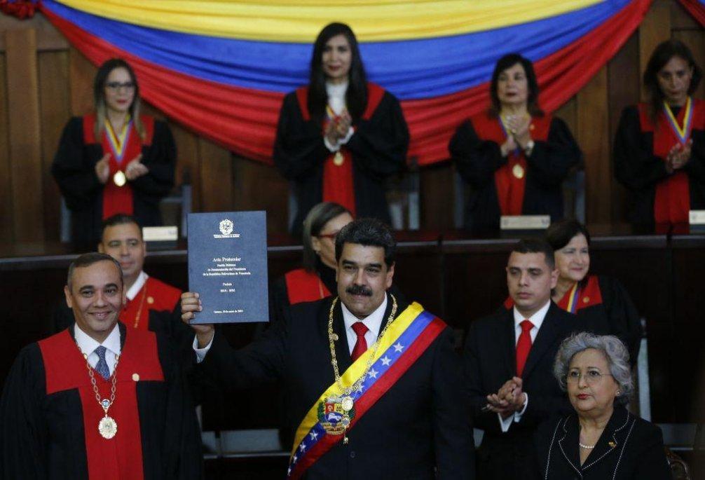 Nicolás Maduro složil prezidentskou přísahu