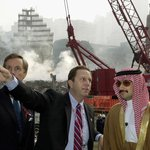 Princ Al-Valíd bin Talál v roce 2001 na místě teroristického útoku v New Yorku.