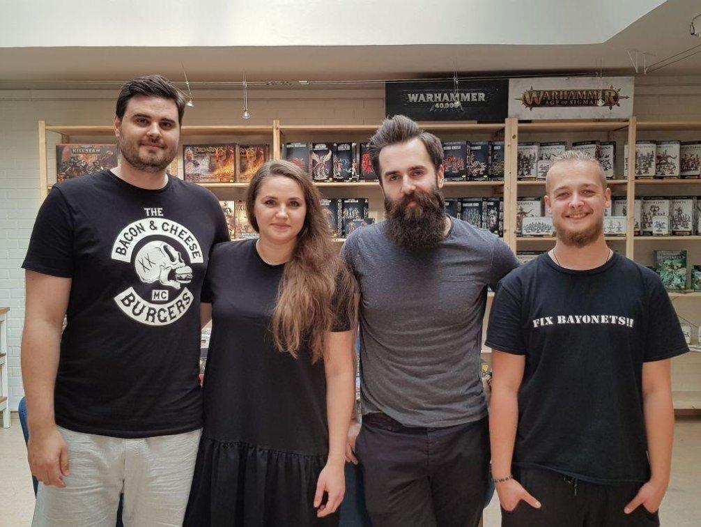 Zleva spolumajitelé firmy Matouš Hloušek a Aneta Hloušek Karamanová a dále část kolektivu Gamemat