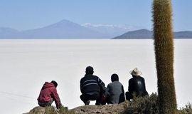 Chaos v Bolívii ohrožuje německou e-mobilitu. Morales před svým pádem zastavil projekt těžby lithia