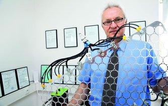 Vědec Jan Procházka, který stojí za technologií ukládání energie v bateriích HE3DA