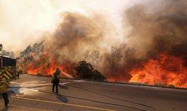 Sever Kalifornie sužují požáry