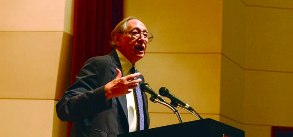 Futurolog Alvin Toffler (Zdroj: Flickr)