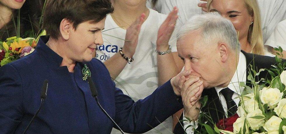 Beata Szydlová a Jaroslaw Kaczynski