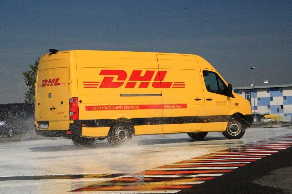 Dodávka společnosti DHL