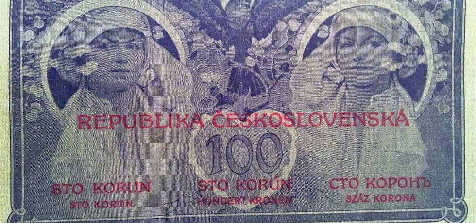 1919. První československé definitivní platidlo, státovka 100 Kč, autor Alfons Mucha, v oběhu od 7. 7. 1919.