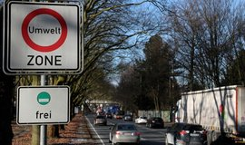 Německá města smějí zakazovat vjezdy dieselům