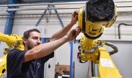 Za nízké mzdy může nepřerozdělování zisků či levná pracovní síla ze zahraničí, tvrdí odboráři