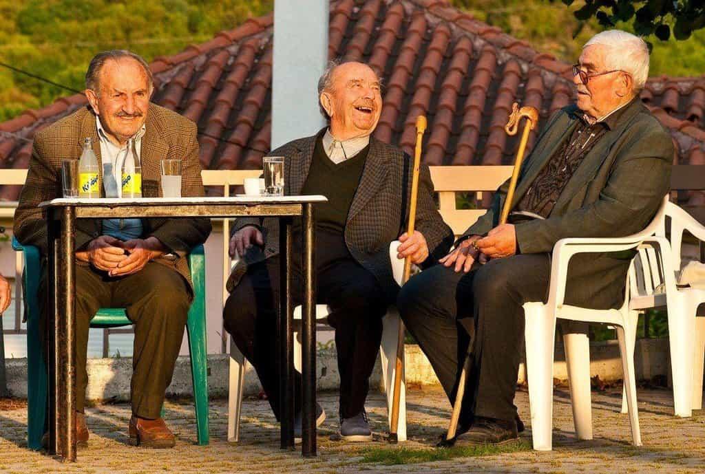 Senioři v Řecku, ilustrační foto