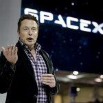 Elon Musk představil vesmírnou loď Dragon V2