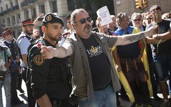 Katalánci protestují proti policejnímu zásahu v kancelářích vlády