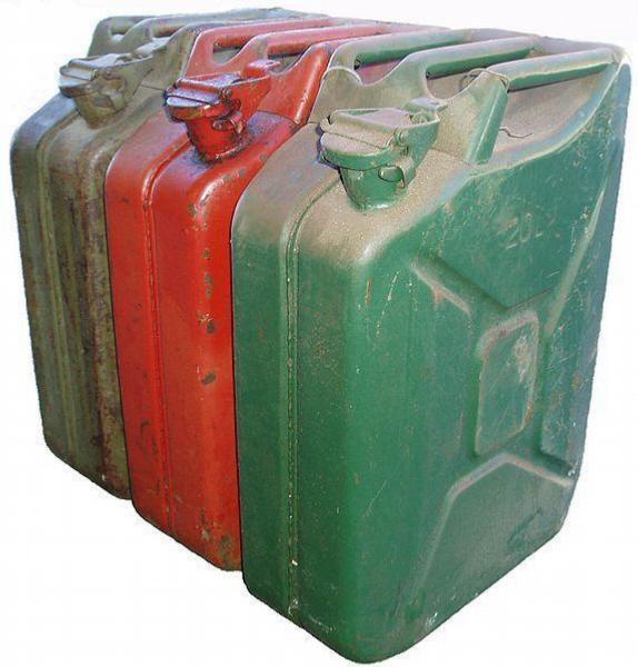 kanystr,benzín, nafta,