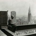 Architektem budovy byl William Van Alen a cena stavby se vyšplhala na 20 milionů dolarů. Chrysler Building vznikal raketovým tempem, rostl v průměru o čtyři patra za týden.
