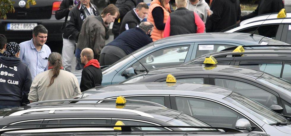 Protest taxikářů na pražském letišti, ilustrační foto