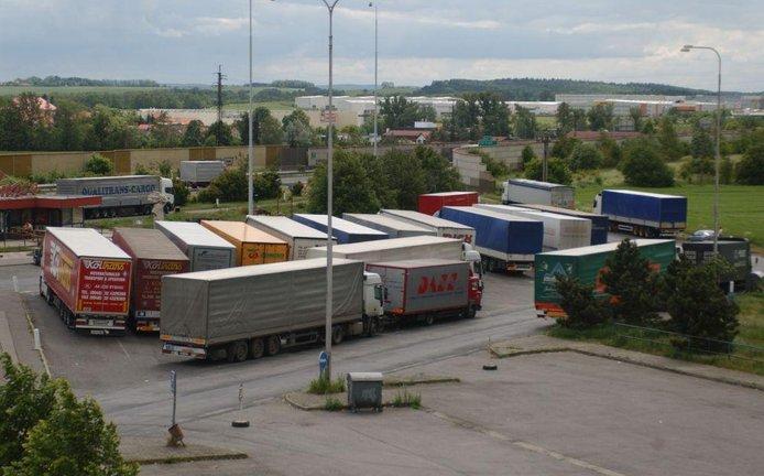 Kamiony, ilustrační foto