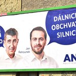 Vítězem voleb v Pardubickém kraji se stalo ANO s 12 mandáty za 19,17 procenta hlasů. Na snímku billboard s Andrejem Babišem (šéf hnutí ANO) a Janem Řehounkem (lídr ANO v kraji)
