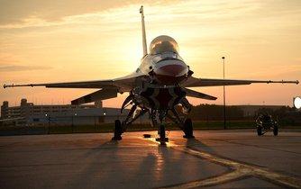 Stíhačka F-16 Thunderbird