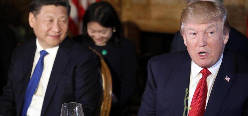 Čínský prezident Si Ťin-pching a jeho americký protějšek Donald Trump