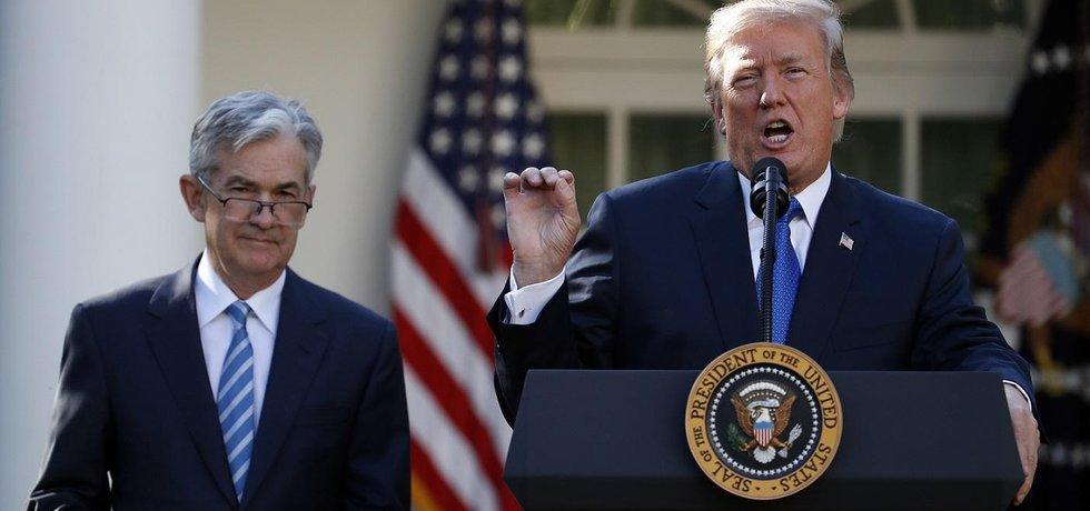 Příští šéf Fedu Jerome Powell (vlevo) a americký prezident Donald Trump