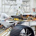 Inženýři NASA pracující na roveru Mars 2020