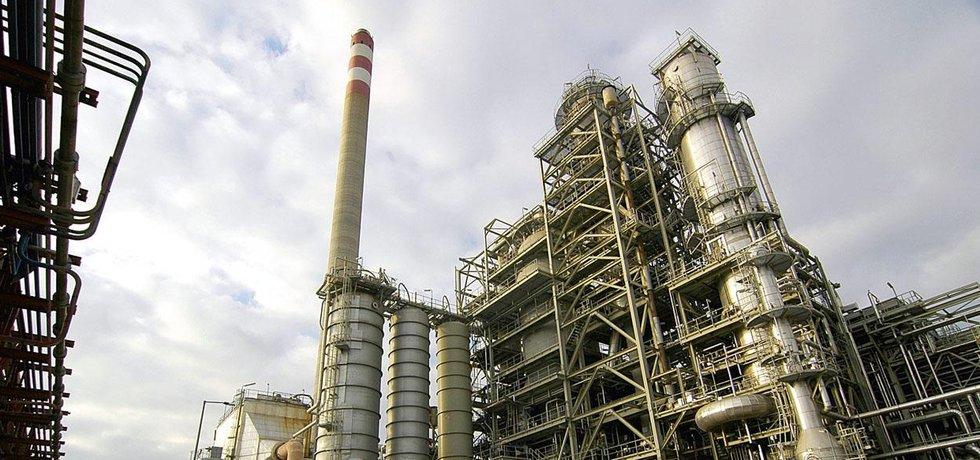 Petrochemický komplex - ilustrační foto