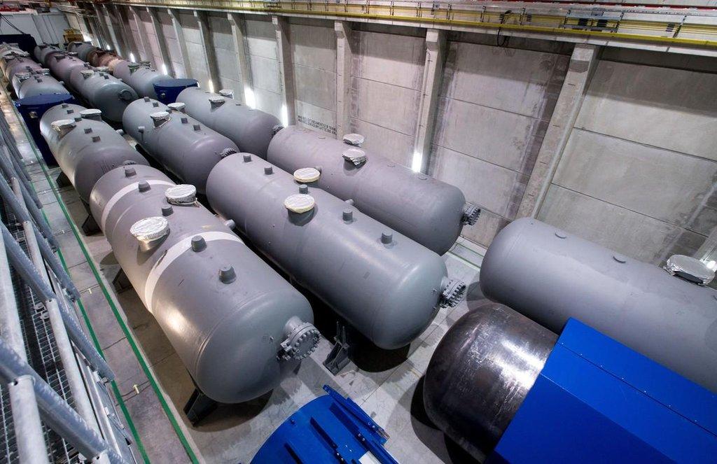 Úložiště jaderného odpadu v německém Lubminu. Tlakové nádoby a parní generátory z vyřazených jaderných elektráren.