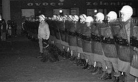 Policejní zásah proti protestu v Teplicích v roce 1989