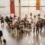 5. Schipol (Amsterdam) – kvalita: 3,95, cena: 3,01, rozmanitost: 4,42, celkem: 3,88. Nejlépe hodnocené evropské letiště, sázející hlavně na rozmanitost kvalitních restaurací. Nejlépe hodnocená restaurace: Bowery Restaurant.