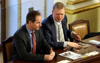 Předseda lidovců Pavel Bělobrádek spolu s lídrem STAN Petrem Gazdíkem