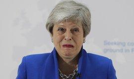 Zoufalost a pošetilost. Nový brexitový plán Mayové je podle britského tisku odsouzen k nezdaru