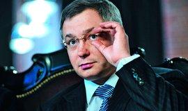 Z domácího vězení pomohl miliardáři Glebu Fetisovovi až londýnský soud a hlavně slib, že nebude dělat v Rusku politiku.