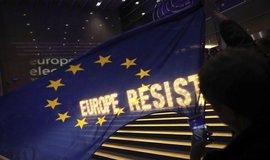 Nejsilnější frakce v Evropském parlamentu oslabí, posílí zelení a populisté